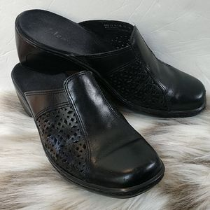 Clark's black leather clogs. Size 6.5